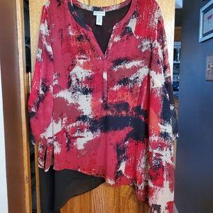 Red and black handkerchief hem 3/4 sleeve top